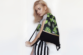 Monstera Drawstring Bag Green